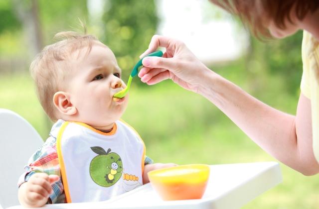 Erre ügyelj a hozzátáplálás kezdetekor - tippek és tanácsok az áttérés megkönnyítésére