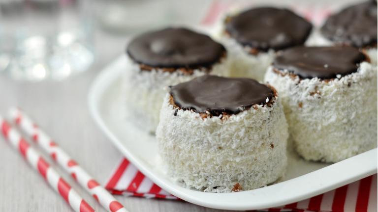 Minden idők egyik legjobb kókuszos sütije: így készül a kozák sapka (hólabda)