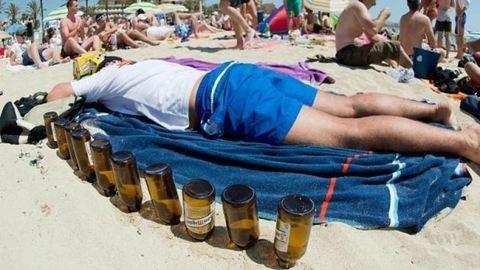 Vége az éjszakai alkoholizálásnak a turistaparadicsomban