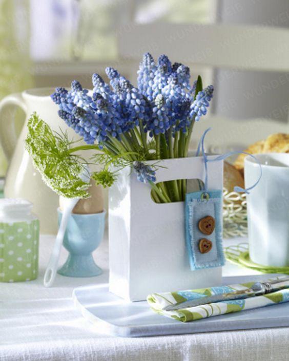 Roppant egyszerű, filléres és mutatós asztaldísz. Minek költenél akkor drága asztali dekorra?