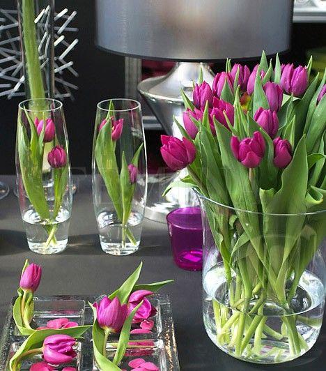 A tulipánokat rakhatod egy nagyobb pohárba is.