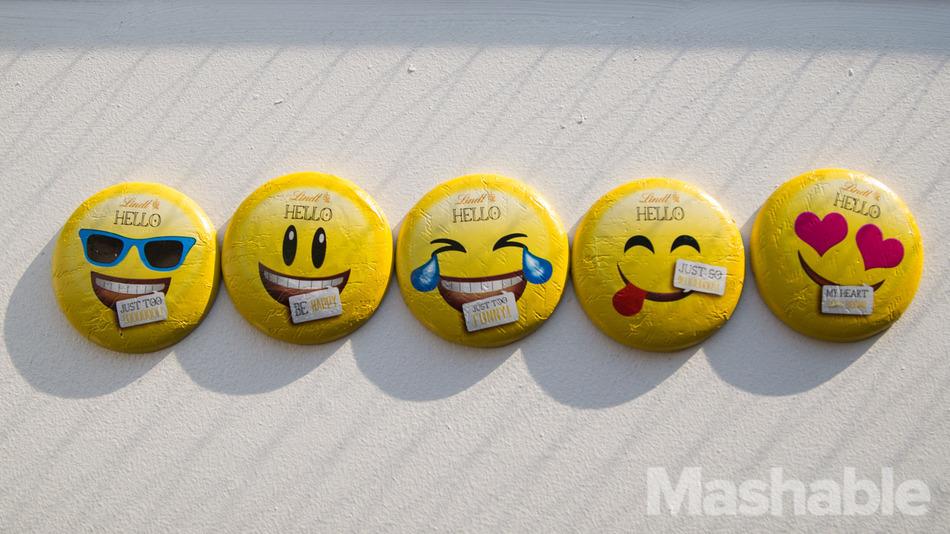 Jönnek az emoji csokik!
