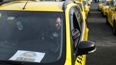Így tüntetnek a taxisok Budapesten – képek