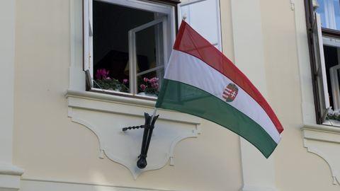 A magyar zászló és címer napja a mai