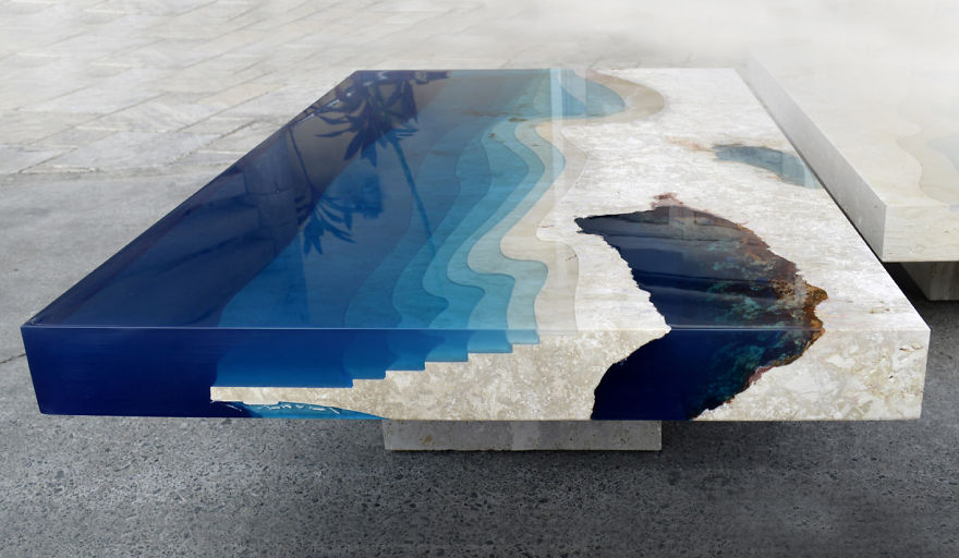 Lagúnákat mintáznak a szupermenő kávézóasztalok - képek