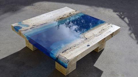 Lagúnákat mintáznak a szupermenő kávézóasztalok – képek