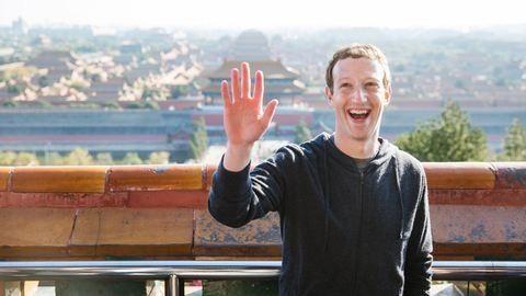 Kép: Mark Zuckerberg a pekingi szmogban fut