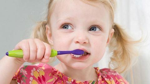 Ilyenkor egészséges fogat mosni napközben!