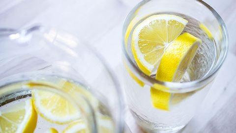 Ezért nem mindig jó ötlet citromos vízzel diétázni