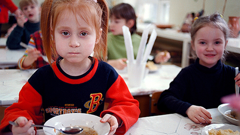 Iskolai szünetben is jut meleg étel a nélkülöző gyerekeknek