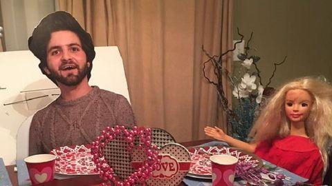 Megbánta a fiú, hogy saját magát adta kartonból az anyjának – vicces képek