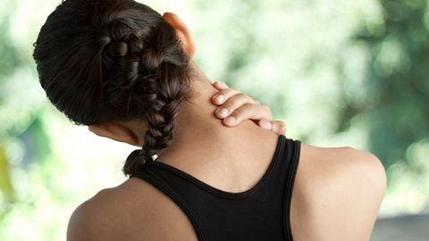 3 gyakori ok, amiért fájhat a nyakad
