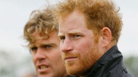 Harry herceg beugrott vásárolni a palota melletti közértbe