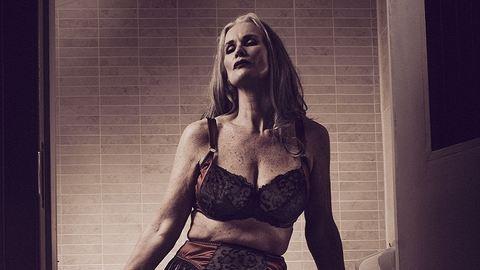 Elképesztő teste van az 56 éves fehérneműmodellnek – fotók