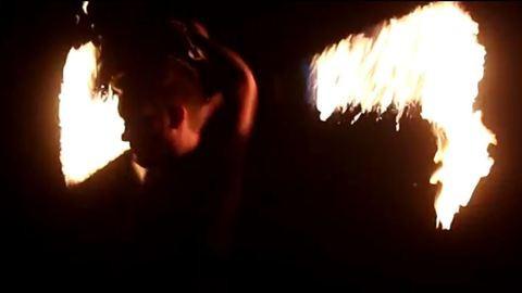 Teste 60 százaléka megégett a tűzzsonglőrnek