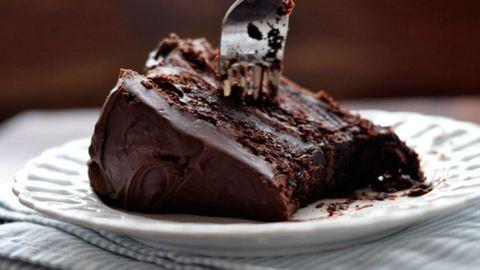 Jót tehet az agyadnak, ha reggelire csokitortát eszel