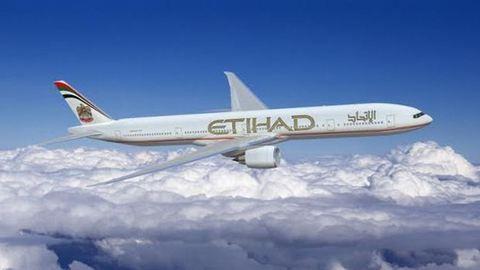 Megható: a pilóta visszafordult, hogy a nagyszülők elköszönhessenek haldokló unokájuktól