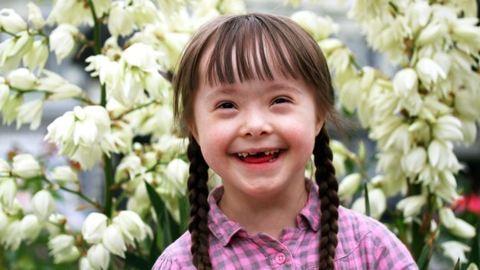 Évente csak 10 fogyatékos gyermeket fogadnak örökbe