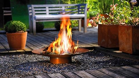 Ötletes grillezők, kerti tűzhelyek és melegedők