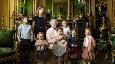 Csodálatos új fotó a ma 90 éves II. Erzsébetről és a dédunokáiról