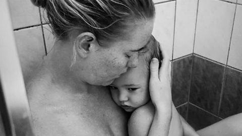 """Az anyaság """"legrosszabb részéről"""" tett közzé posztot – netes sztár lett"""