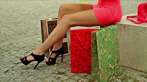 Vége a nadrágszezonnak – cipők rövid szoknyához, nyári ruhákhoz