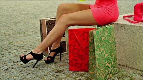 Vége a nadrágszezonnak - cipők rövid szoknyához, nyári ruhákhoz