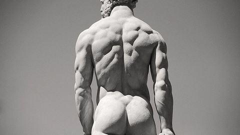 Levehető péniszt kap a francia kisváros Herkules-szobra