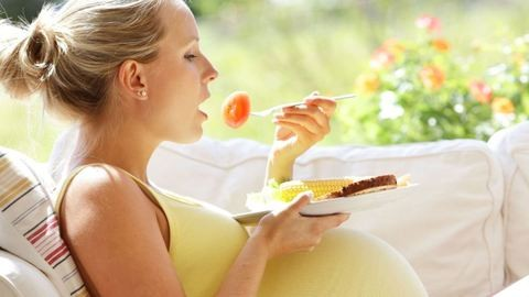 Vitaminbombák terhesség alatt – erre lesz szükséged neked és a babának a várandósság alatt