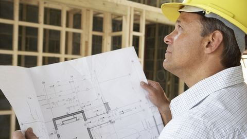 Művezetőt kell rendelni a házépítésekhez
