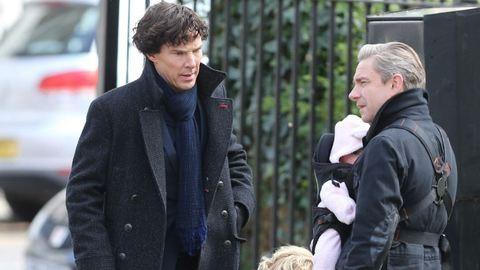 A játszma elkezdődik – forgatási képek az új Sherlock-évadról