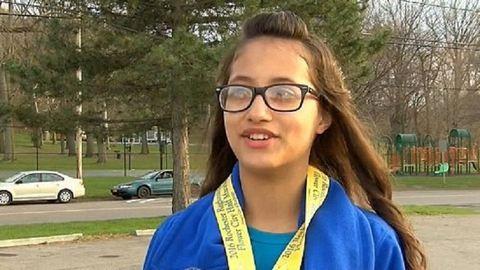 Véletlenül futotta le a félmaratont egy 12 éves kislány
