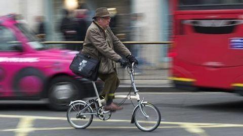 Ezért akár 150 ezerre is bírságolhatnak egy kerékpárost