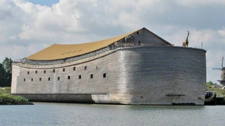 Megépítették Noé bárkáját – nyártól már szeli is a vizeket