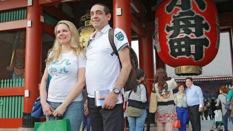 A japánok brosúrában oktatják a turistákat a viselkedésre