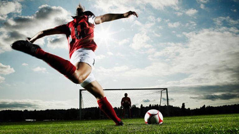 Ilyen cukin még nem zavartak meg focimeccset – videó