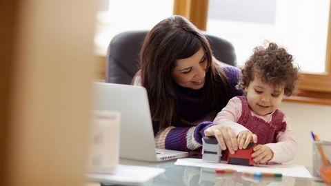 Ma már több anya dolgozik, mint 5 évvel ezelőtt