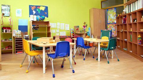 Tombolnak a szülők: protekciós gyerekeket vesznek fel a jogosultak helyett az óvodába, iskolába