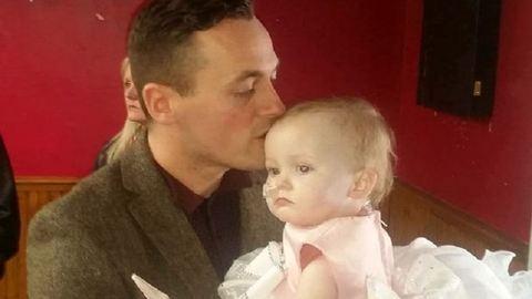 Meghalt a súlyosan beteg kislány, akit apukája vett feleségül