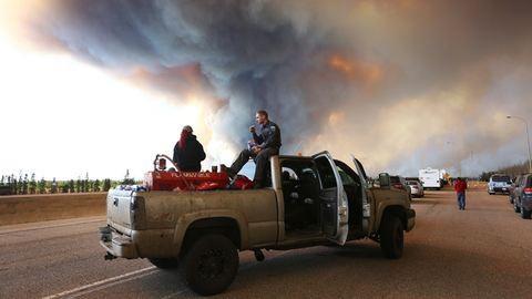 Kanadában három budapestnyi terület lángol – fotók