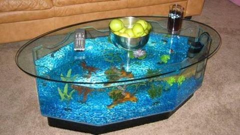 Menő bútorok: asztal és akvárium egyben