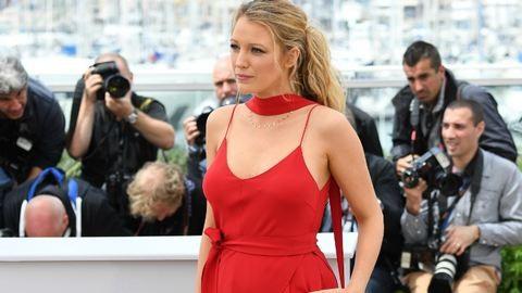 Cannes: Blake Lively szépen gömbölyödik