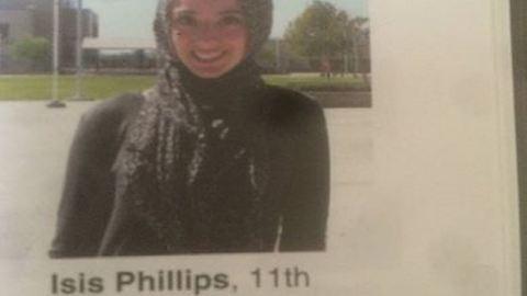 Kiakadt a muszlim lány, akinek a nevét ISIS-nek írták az iskolai évkönyvben