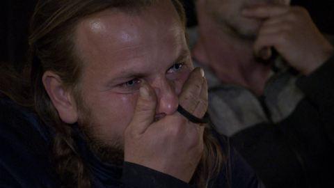 Kamerák előtt sírt Attila, a Farm kemény legénye