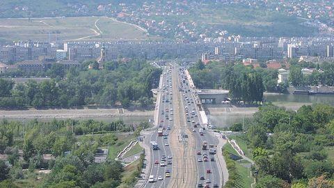 2 hónapig nehezebb lesz közelekedni az Árpád hídon