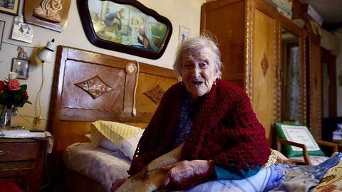 A világ legöregebb asszonya szerint a hosszú élet titka a szingliség és a nyers tojás
