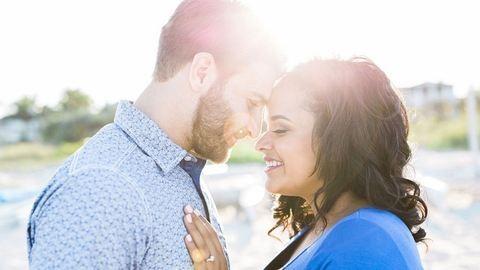 Terhesfotózáson lepte meg barátnőjét a lánykéréssel – gyönyörű fotók