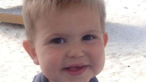 Hasfájással ment haza a hároméves kisfiú – pár órán belül meghalt