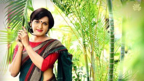 Transznemű nőkkel kampányol az indiai divattervező – fotók
