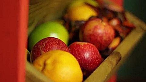 Csináld magad gyümölcsöspolc a kamrádba